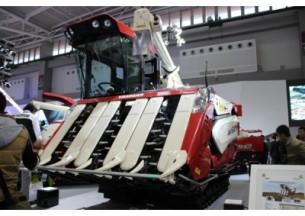 洋马AW6120水稻收割机产品图图