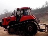东方红2002履带拖拉机转向试验