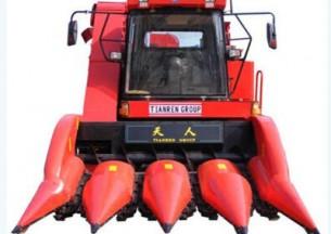 天人4YZ-4(TR9988)四行甩刀型自走式玉米收获机产品图图