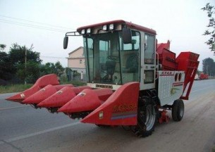 河北沃丰4YZB-4型玉米收获机产品图图