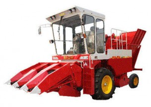 雷沃谷神CB03(4YZ-3J)玉米收割机产品图图