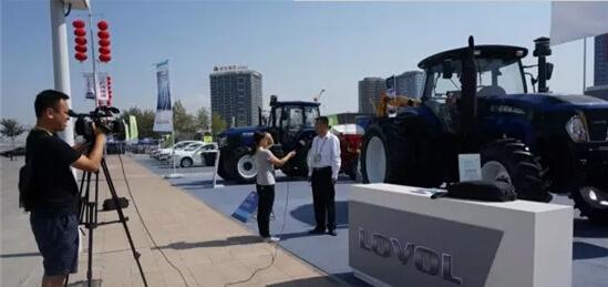 雷沃亮相第五届中国亚欧博览会