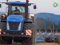 纽荷兰T9 560拖拉机作业演示
