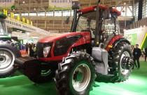 东风农机携DF2204重型拖拉机亮相中国江苏·现代农业科技大会