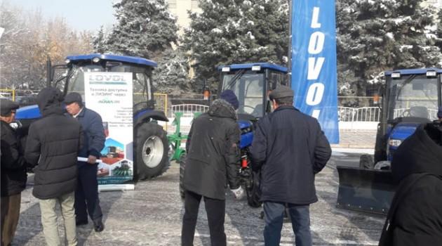 雷沃拖拉机亮相2018年吉尔吉斯斯坦国际农业展览会1